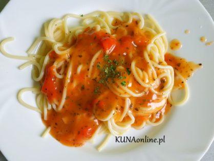 Sos do spaghetti z pomidorów w puszce